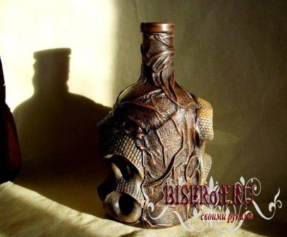 Декупаж бутылки: кожа + керамика